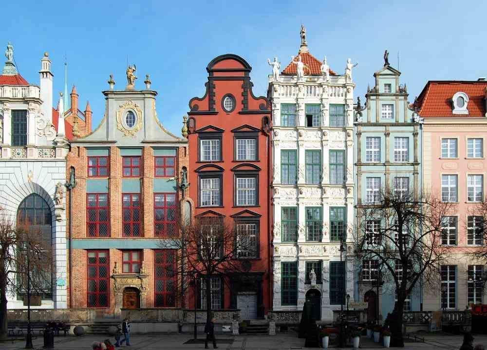 Лоукостеры из москвы в европу