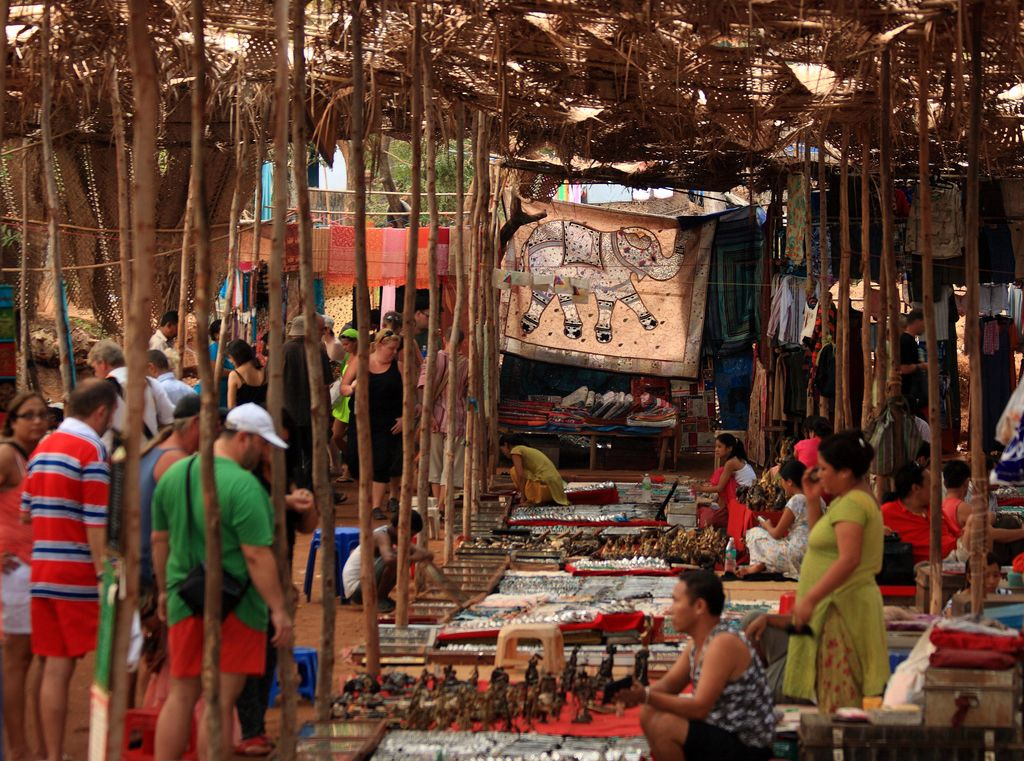 Блошиный рынок в Анжуне, Индия