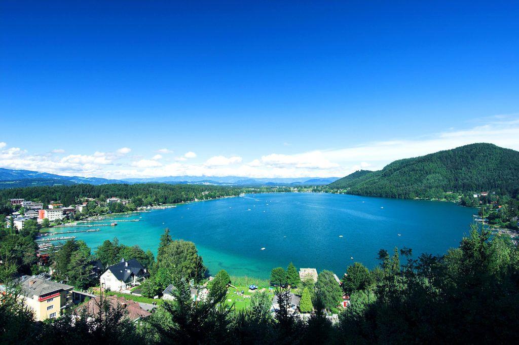 Открываем купальный сезон в Австрии: 5 неожиданных пляжных мест