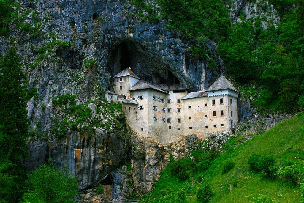Природная архитектура: 7 зданий, расположенных в скалах