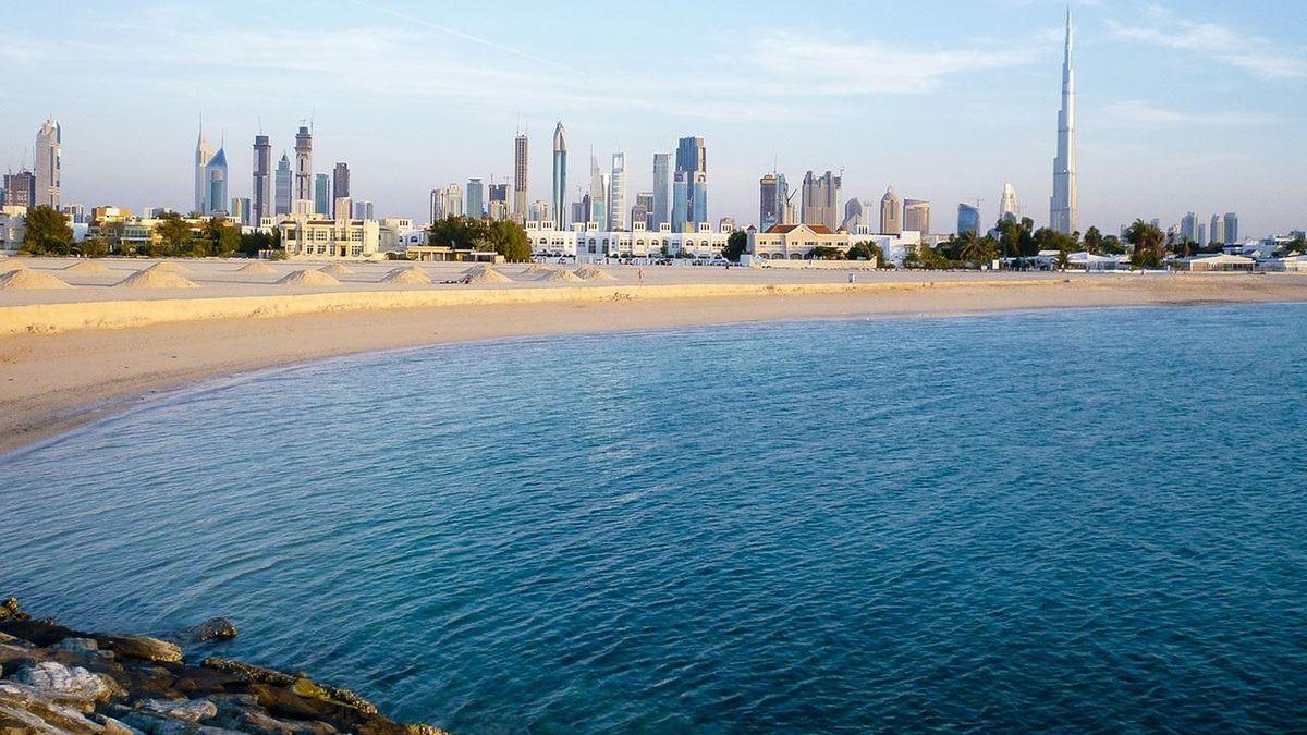 Губы не посинеют: самые теплые моря на планете