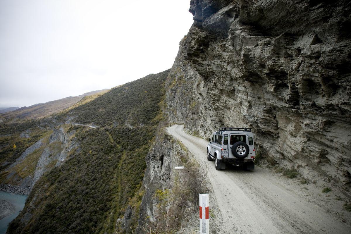Хуже, чем российские дороги: топ-8 самых опасных дорог мира