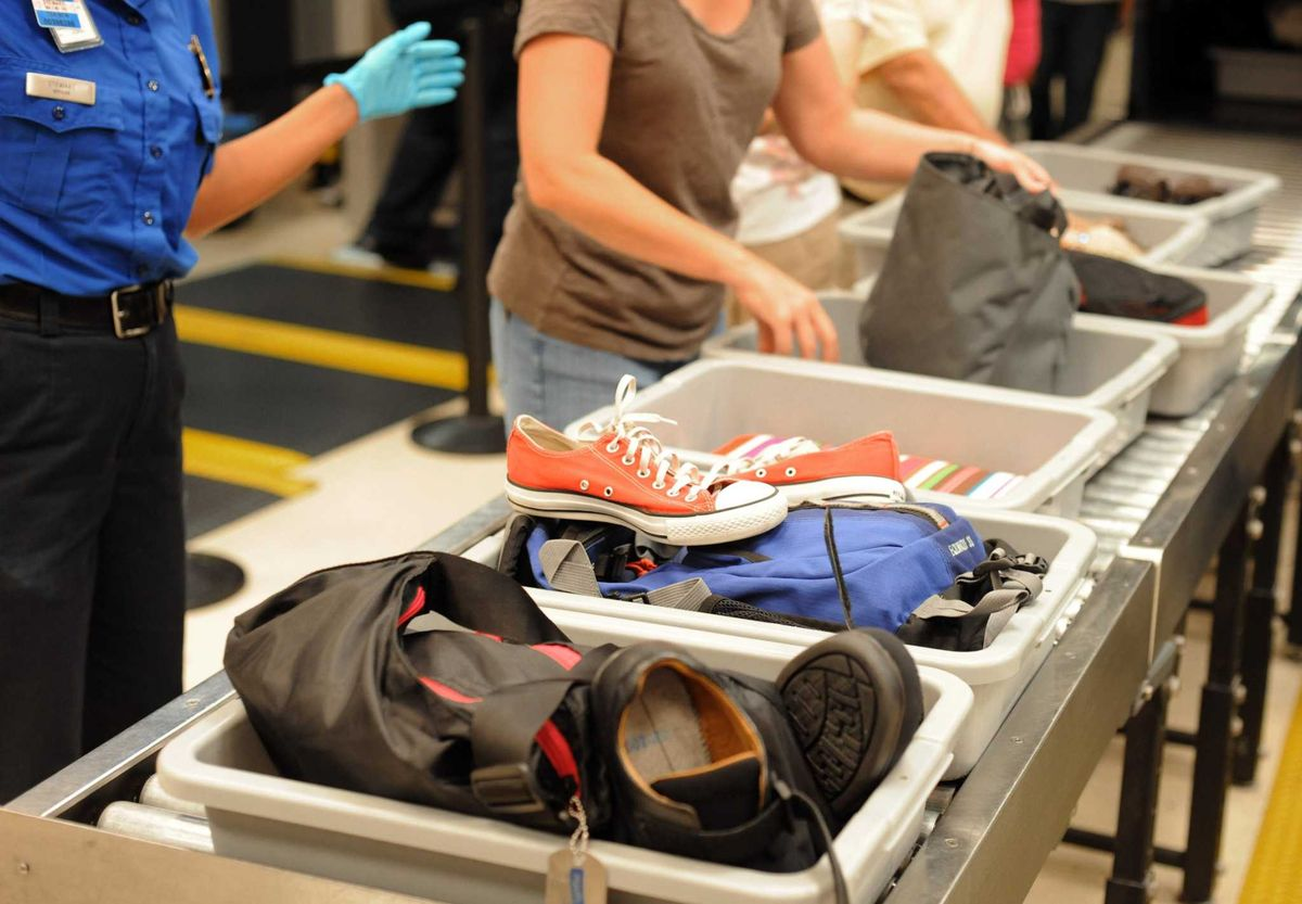 Как правильно проходить досмотр в любом аэропорту: практические советы