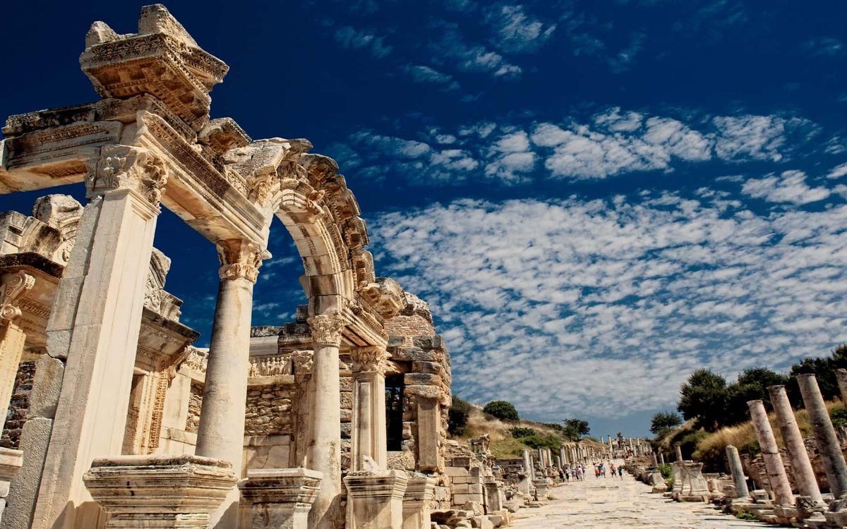 Греция для туристов: чему отдать предпочтение, что посмотреть на отдыхе