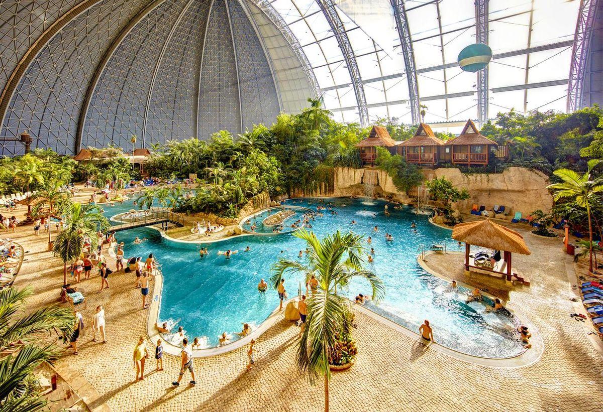 Радость для всей семьи: топ-10 самых лучших аквапарков мира