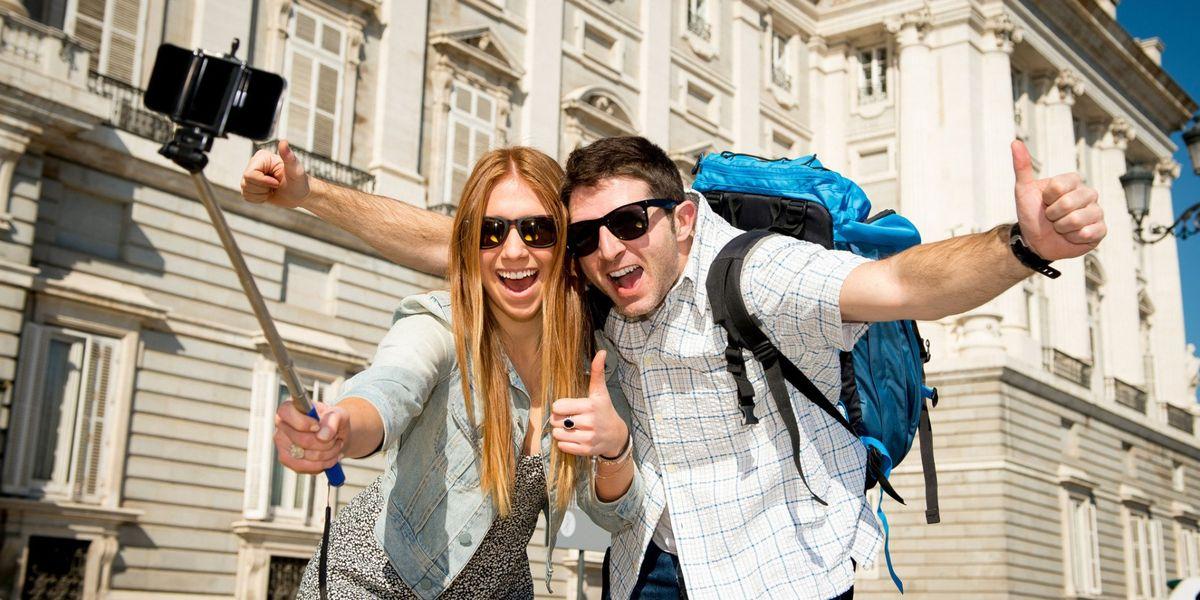Помощники в путешествии: топ-7 необходимых гаджетов туриста