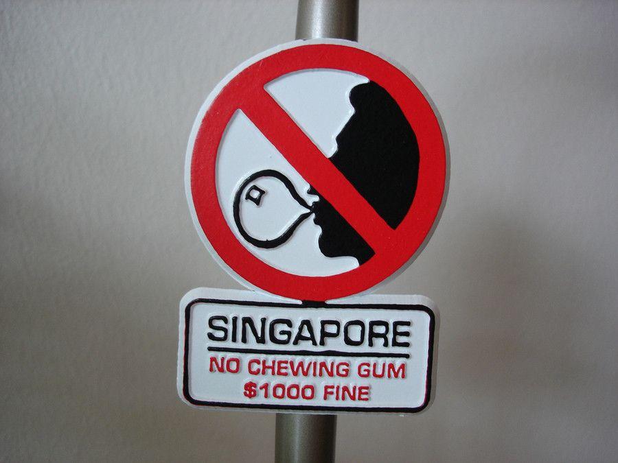 Путешествуем без штрафов: топ-10 самых странных запретов во всем мире