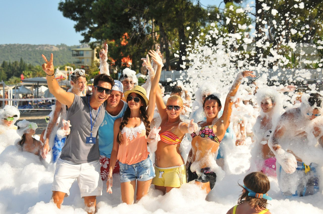 Топ-5 стран для молодых любителей клубного яркого отдыха