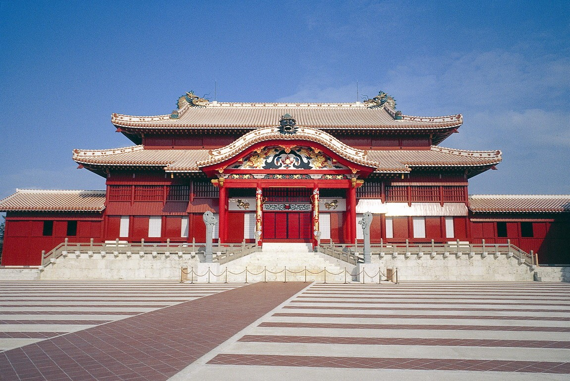 Top 5 Okinawa Attractions Everyone Should See