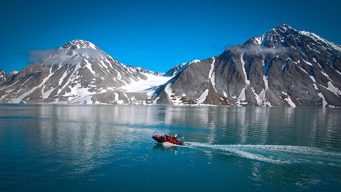 Кто и почему может предпочесть отдых в Арктике теплым южным странам